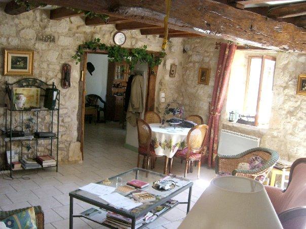 Location vacances indre et loire une jolie maison de - Luminaire sur poutre apparente ...